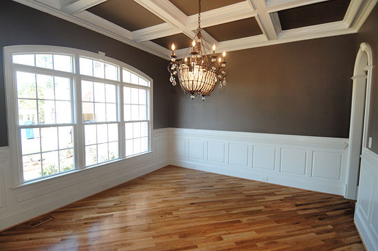 Wainscoting Living Room Ceiling Ideas 550 x 365